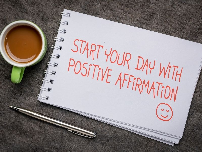 How to stop overthinking everything and obsessing by using positive affirmations